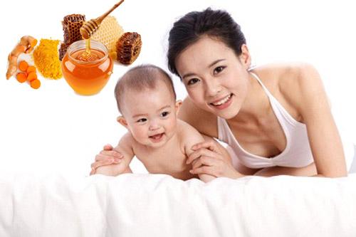 tinh bột nghệ mật ong với phụ nữ sau sinh